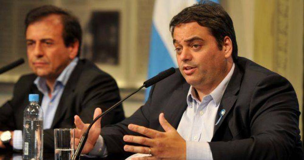 Triaca dice que el FMI no impone una Reforma Laboral pero defendió el fondo de cese laboral