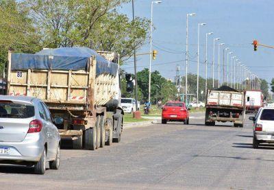 La Municipalidad realiza exhaustivos controles a camiones con exceso de cargas