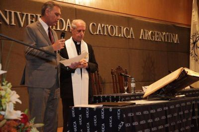 Juró el doctor Schiavone, el primer laico rector de la UCA