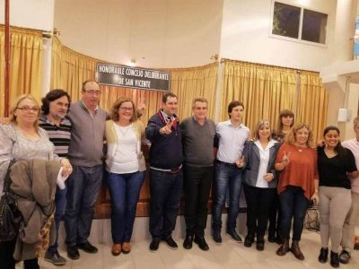 Desde San Vicente, Rossi adelantó que será candidato a presidente y chicaneó a CFK
