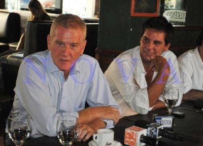 Buscando hacerle daño a Macri, De Narváez promueve un armado electoral con Tinelli y Manes