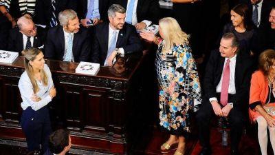 La alianza Elisa Carrió-Marcos Peña y el temor del Gabinete a tropezar en la cornisa