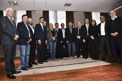 Los gobernadores del PJ se reúnen para definir su postura frente a Macri