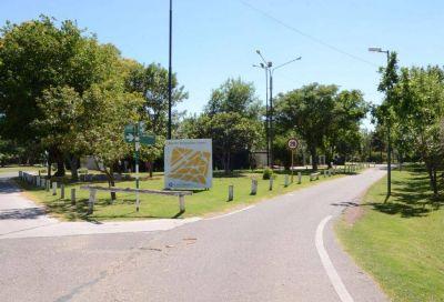 Municipio presenta proyecto para cloacas y pavimento