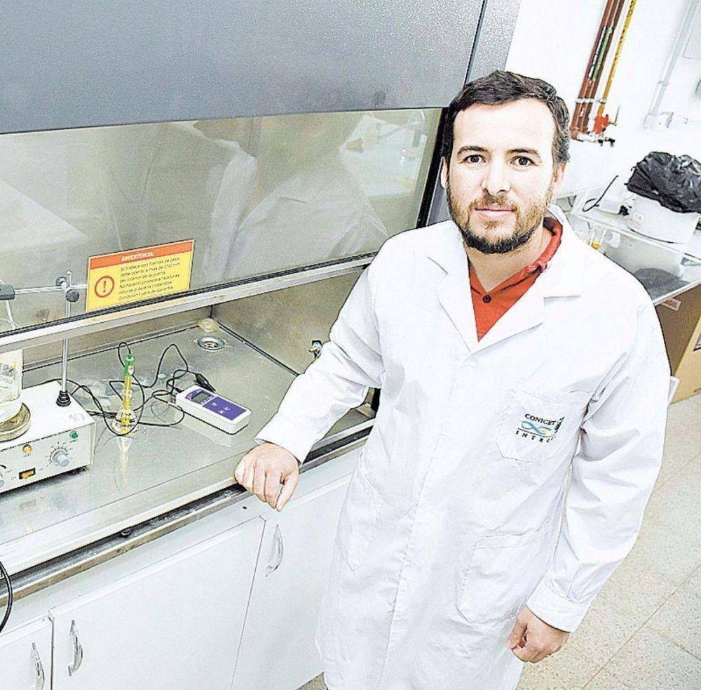 Un docente de la UNSL, destacado por su trabajo sobre paneles solares