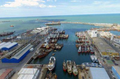 """Por la crisis del puerto, analizan hacer un """"barcazo"""""""