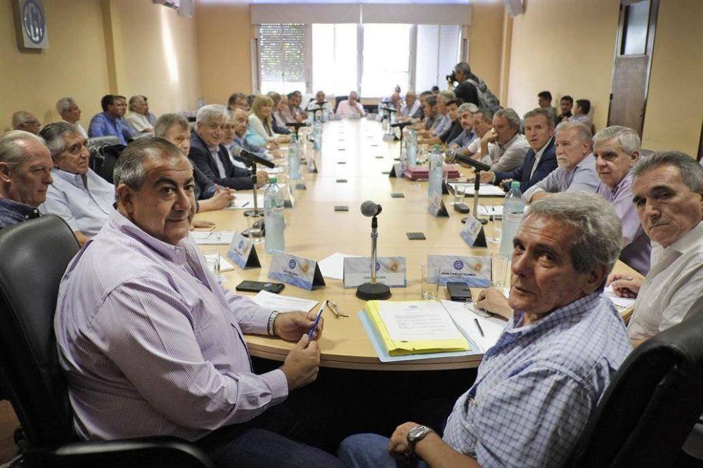 Excluida de la convocatoria del Gobierno, la CGT espera la resolución de las tarifas