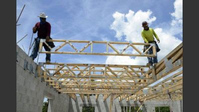 Por insumos dolarizados se desacelera la obra privada
