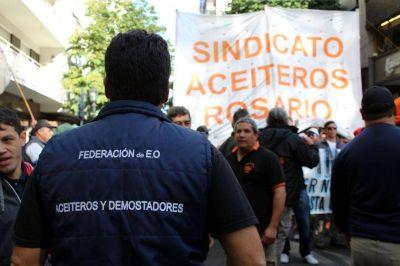 """Aceiteros en """"estado de alerta nacional"""" por despidos en Cargill"""