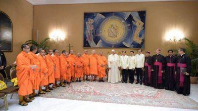 El Papa: es mi deseo que católicos y budistas intensifiquen su relación