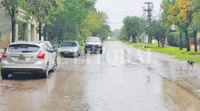 Tras el temporal buscan mejorar la transitabilidad en la traza urbana