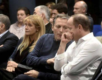 Alcaldes del PJ aseguran que Vidal irá por el alumbrado público y sospechan de diputados afines