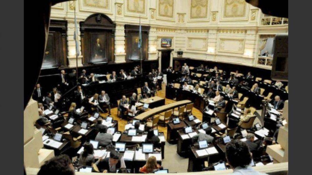 Los intendentes resisten plan de Vidal de suprimir tasas municipales