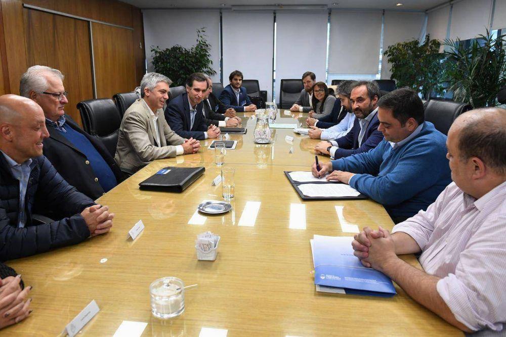 """Trabajo ratificó el nuevo convenio de la UTHGRA sobre """"Comida Casual"""""""