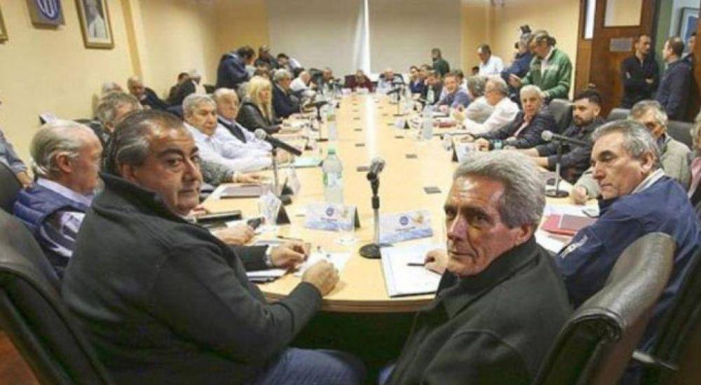 Tras los allanamientos a Camioneros, la CGT acusó al Gobierno de