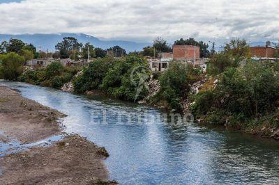 Concientización ambiental en el río
