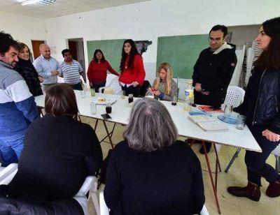 Madryn: Sastre, reunido con el Promeba y el BID