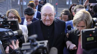 Escuchó, ocultó y ahora lo castigaron: un arzobispo australiano fue declarado culpable de encubrir casos de pedofilia