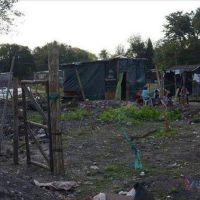 Amplían casas y conectan redes cloacales en la zona del Quilmes y El Cocal