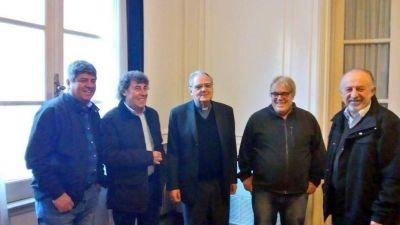 El titular del Episcopado recibió a dirigentes sindicales