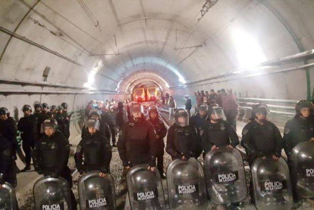 APDFA: Repudian represión a obreros de subterráneos y denuncian actitud fascista