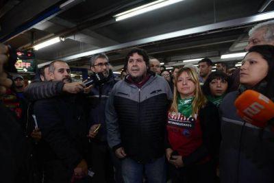 Quién es Néstor Segovia, el metrodelegado cuya detención desencadenó el paro