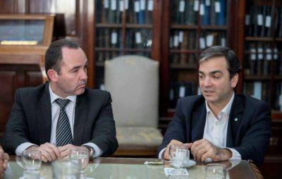 Reunión para evaluar la Ley de Puertos