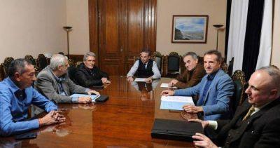 Acuerdo entre Picheto y la CGT para condicionar la ley de blanqueo