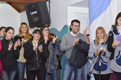 López presenció un emotivo acto por el 25 de Mayo en el Jardín Lassalle