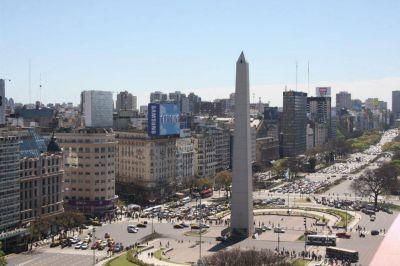 Miles de trabajadores se movilizan al Obelisco en una jornada patria histórica y con mucho descontento
