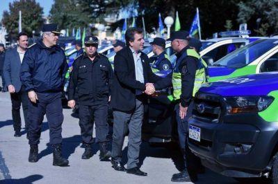 Ritondo entregó 75 móviles policiales para distribuir en municipios del interior bonaerense