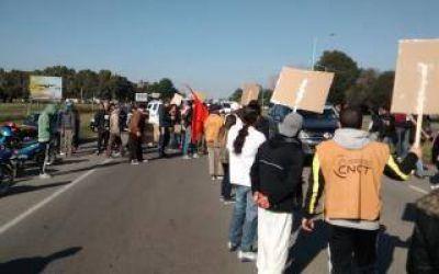 Chascomús se moviliza para pedirle a las fábricas que paren con los despidos