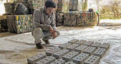 Con un sistema cooperativo, intendentes proyectan fabricar ladrillos con residuos