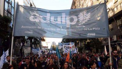 Lunes y martes sin clases en la UNLP: docentes universitarios vuelven al paro