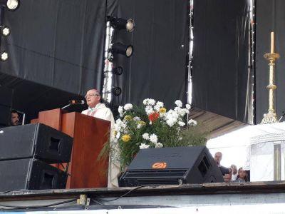 ENJ: Mons. Ojea llamó a los jóvenes al desafío de transformar la Patria