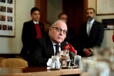 El canciller Faurie verá en Roma al Papa y autoridades vaticanas