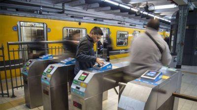 Metrodelegados levantan molinetes este martes y denuncian