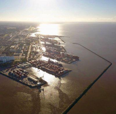 Mórtola habló de la modernización portuaria