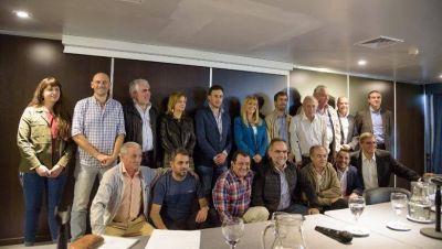 Intendentes peronistas resisten recorte de 1300 millones de Vidal