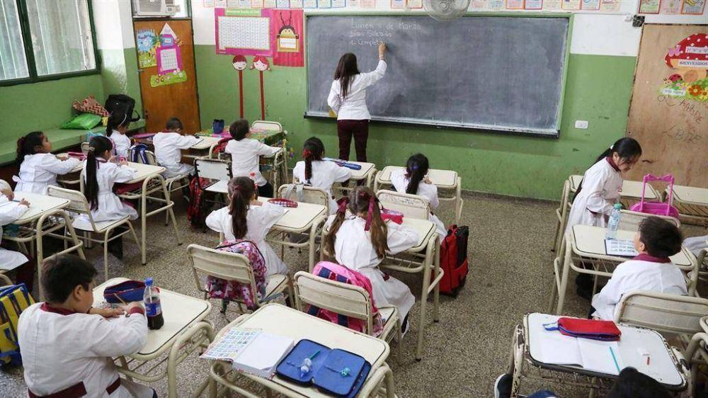 Los docentes de Neuquén volvieron a dictar clases después de 43 días de paro