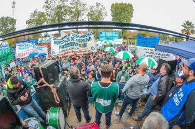 Unos 1.500 trabajadores protestaron contra Ferraresi por pagar sueldos bajo la línea de indigencia
