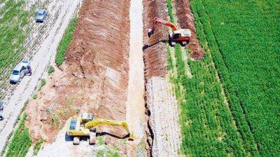 Denuncian al gobierno de Córdoba por hacer obras de canalización