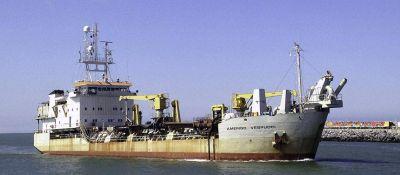 Firman contrato para profundizar Puerto Quequén