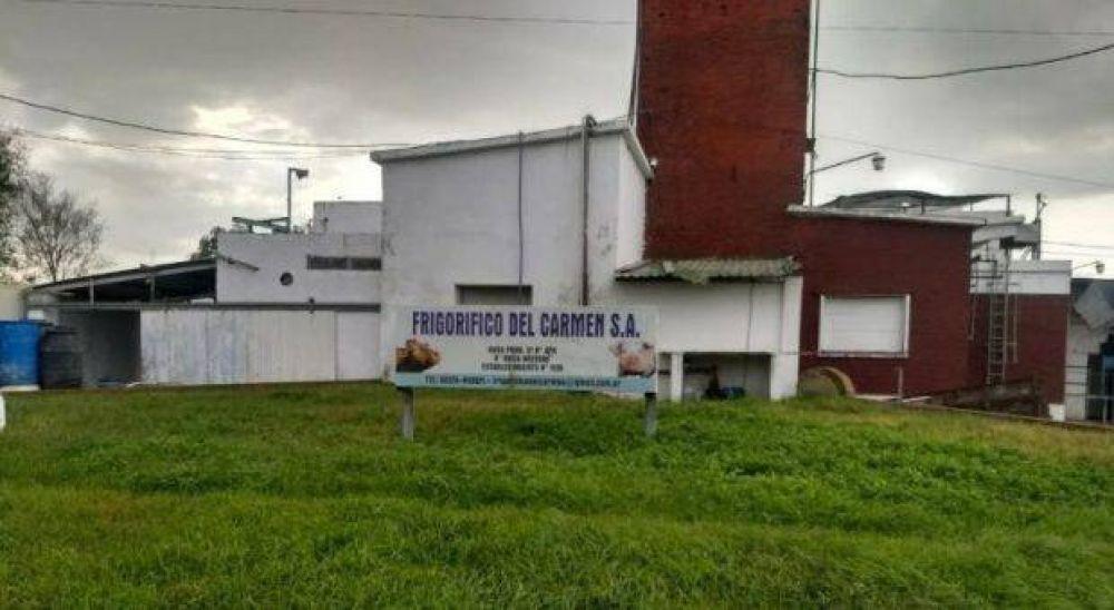 Cierra el frigorífico del Carmen y deja 30 personas en la calle