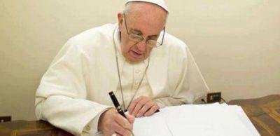 Francisco envió cartas a presos de dos penales de Catamarca