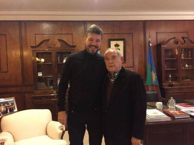 Tinelli en Mar del Plata: reuniones en el Hotel Provincial, paseos y fotos con los fans
