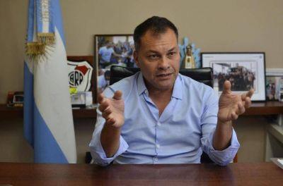 Intendente K le marca la cancha al PJ de Menéndez: