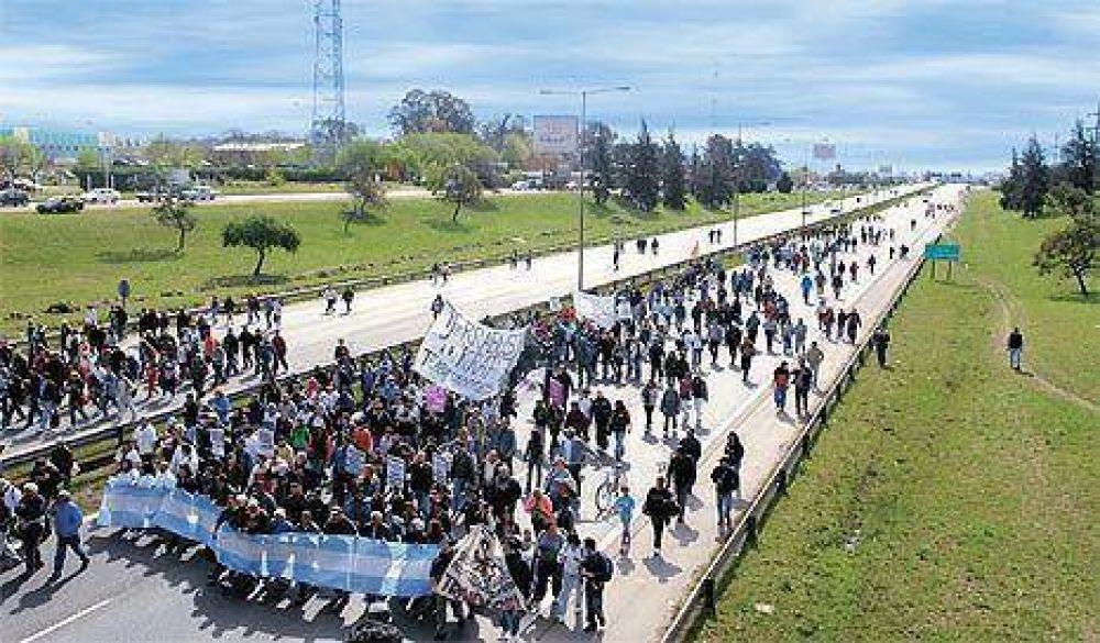 El conflicto por los despidos en la ex Terrabusi desborda al Gobierno