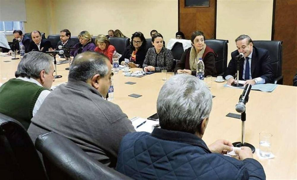 La CGT convocará a un paro antes de fin de mes contra la política económica de Macri
