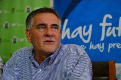 Carlos Castagneto llega a Necochea